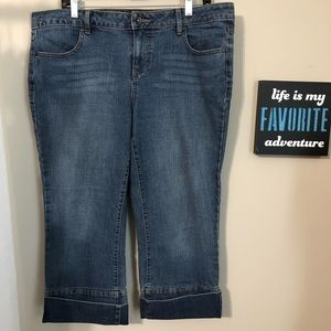 Apt 9 Denim Cuffed Cropped Jeans Size 14   d0152